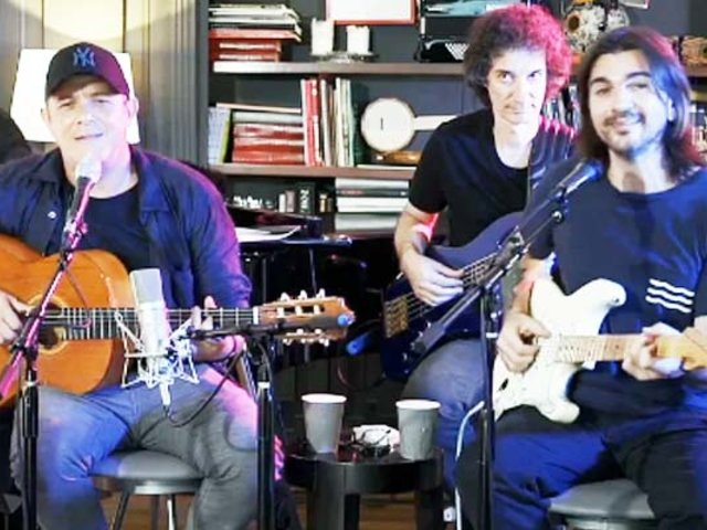 Alejandro Sanz y Juanes cantaron en vivo por YouTube