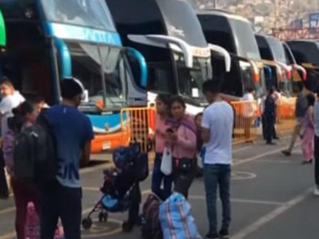 Terminal de Yerbateros: viajeros protestan por alza en  precios de pasajes por feriado largo