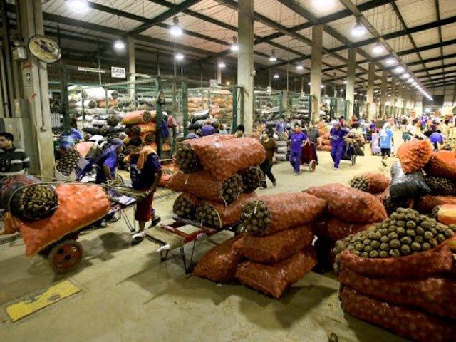 Publicarán nombres de empresas que subieron precios de alimentos en primer día de cuarentena