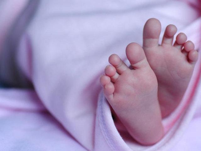 Grecia: mujer infectada con Covid-19  da a luz un bebé sano