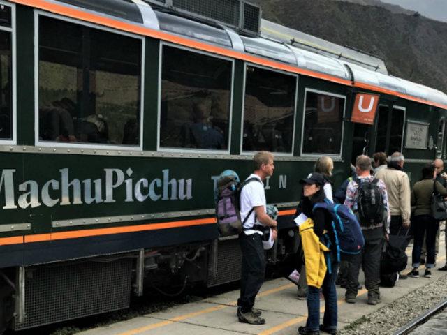 Estado de emergencia: tren local hacia Machu Picchu Pueblo atiende con normalidad