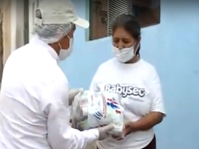 Estado de emergencia: empresario solidario dona víveres a familias de escasos recursos