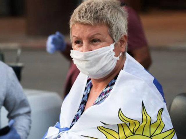 Uruguay rebajará salario a funcionarios para crear fondo contra Covid-19