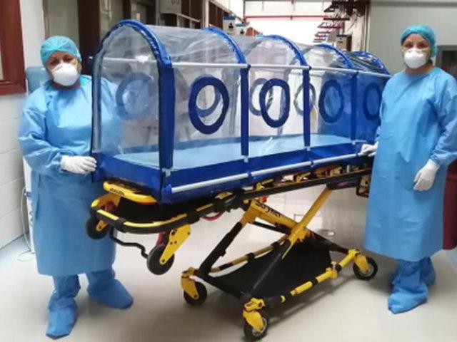 Covid-19: Trabajadores de EsSalud diseñan cápsula de aislamiento para pacientes