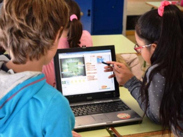 Lanzan plataforma de educación a distancia para niños y adolescentes