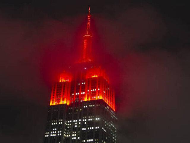 Coronavirus en Estados Unidos: Empire State se iluminó para honrar a personal médico