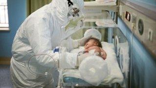 Estados Unidos: hombre oculta síntomas de COVID-19 para estar presente en el nacimiento de su hijo