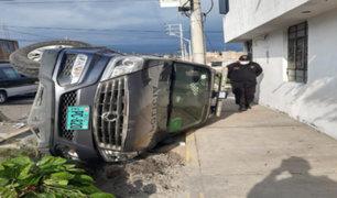 Arequipa: dos heridos tras aparatoso choque entre patrullero y automóvil