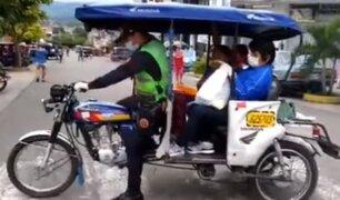 Tarapoto: policía traslada en su mototaxi a varias amas de casa