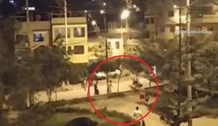Vecinos violaron toque de queda para alcanzar camión recolector de basura