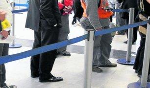 Callao: personas que iban a cobrar bono de S/380 no respetaban distancia recomendada en fila de espera