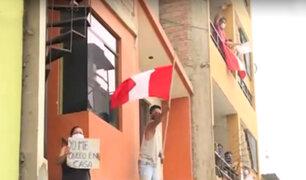 Estado de emergencia: 'balconazo' sorprende a Policía durante operativo en VES