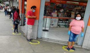 Chimbote: joven pintó círculos afuera de farmacias y bancos para evitar aglomeración