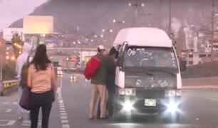 Viernes Santo: vehículos informales transitan llenos de pasajeros en Puente Nuevo