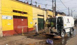 """Municipalidad de la Victoria desinfectó """"La Parada"""" para evitar contagio de Covid-19"""