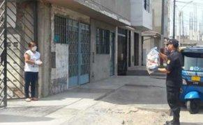 PNP entrega canasta de víveres en viviendas de efectivos con Covid-19
