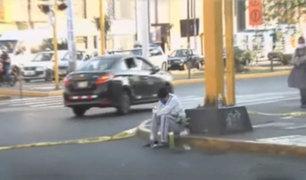 La Victoria: enfermo por Covid-19 se descompensó en plena calle