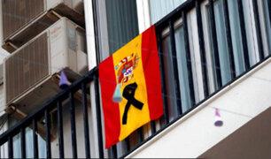 España amplía estricto confinamiento, pero permite la salida de niños