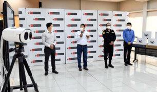Donan a la policía cámaras térmicas que detectan a posibles contagiados de Covid-19