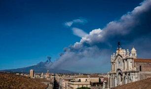 Alerta por Etna: entra en erupción el volcán más grande de Europa