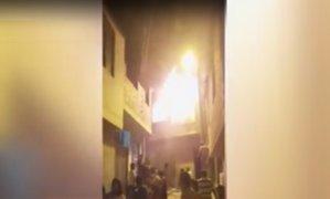 Incendio destruye vivienda en Ate Vitarte