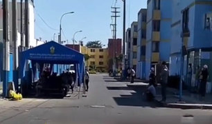 Hospital Negreiros: pacientes sospechosos de Covid-19  esperan en la calle