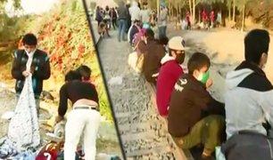 Carretera Central: decenas de familias continúan varadas en Huaycán a la espera de buses