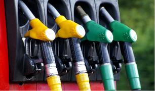 El precio del combustible bajó en varios países menos en el nuestro