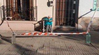 Uruguay: anciana idea plan para tomar el sol durante la cuarentena