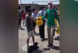 Chiclayo: empresario árabe regala bolsas de víveres
