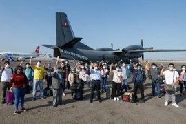 Covid-19: médicos y enfermeras viajan hacia Loreto para fortalecer atención