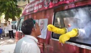 India: Conozca la singular forma en que realizan pruebas rápidas de descarte del coronavirus
