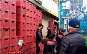 Huancayo: incautan más de 300 cajas de cerveza que impedían el tránsito de peatones