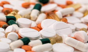Polémica entre expertos por retiro de medicamentos para tratar COVID-19