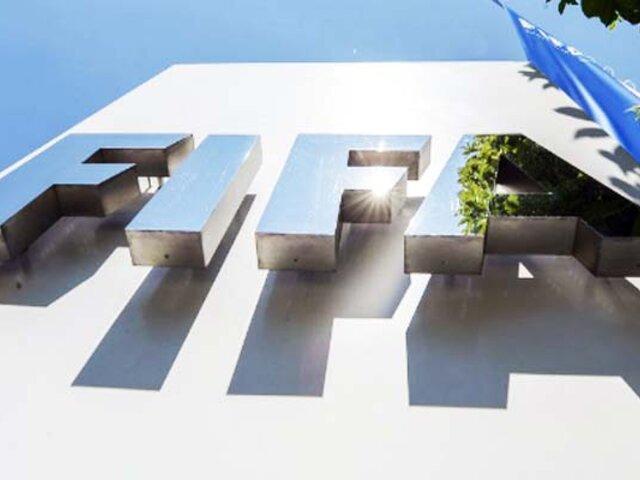 FIFA estudia posibilidad de ayudar económicamente al fútbol mundial