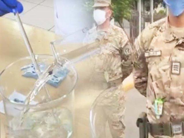 Estado de emergencia: Ejército del Perú combate el virus fabricando gel desinfectante