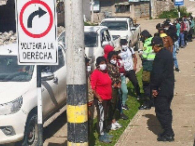Intervienen tres camiones con 30 personas escondidas que viajaban a Cusco