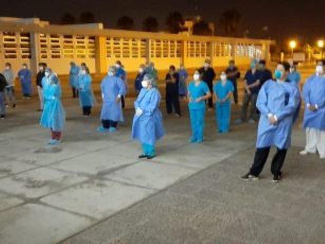 Áncash: personal médico de Hospital de Nuevo Chimbote ora antes de iniciar turno
