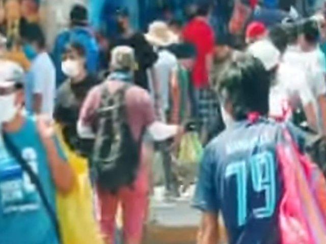 SJL: Cientos de personas de aglomeran en mercados