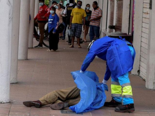 Coronavirus: siguen abandonando cadáveres en las calles de Ecuador