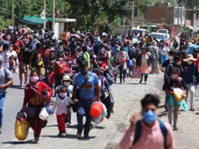 Confirman caso de Covid-19 entre grupo que se dirigía a pie desde Lima hacia provincias