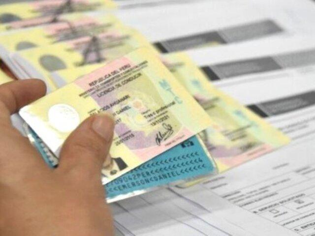Cae sujeto que ayudaba a extranjeros a obtener licencias de conducir con documentos falsos