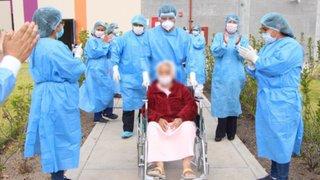 Ayacucho: dan de alta a mujer de 82 años que venció al COVID-19