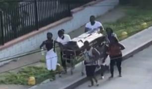 [VÍDEO] Colombia: familia roba de un hospital el cadáver de uno de sus miembros para velarlo