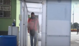 [VIDEO] Covid-19: elaboran cabinas de desinfección para militares