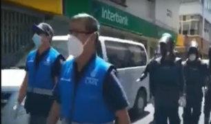 Coronavirus: desalojan ambulantes del Mercado Central y Mesa Redonda