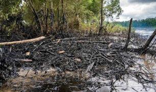 Derrame de petróleo deja sin agua ni comida a miles de nativos en selva ecuatoriana