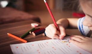 Congreso aprueba reconsideración de ley que repone a docentes desaprobados