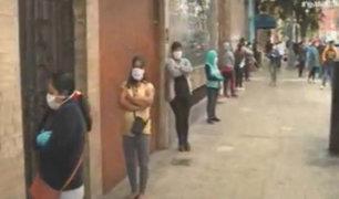 Estado de emergencia: cobro de bono genera largas colas en banco de Chorrillos