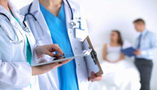 Clínicas devolverán montos pagados a pacientes COVID-19 que ingresaron a UCI